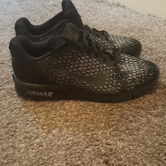 GUC Nike air max black size 9.5